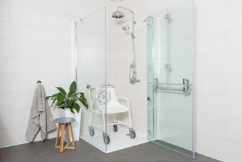 The beautiful Opulence range comes in a variety of options. The GD50 is illustrated with shower seat inside