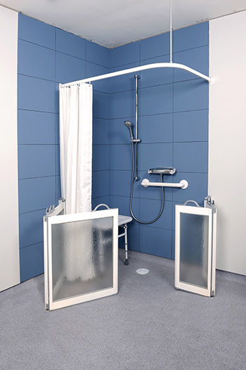 Open WF3 shower doors in white