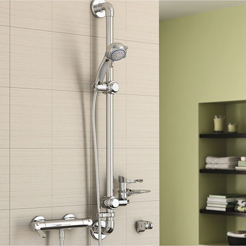 AKW Arka mixer shower with thermostatic control for safety